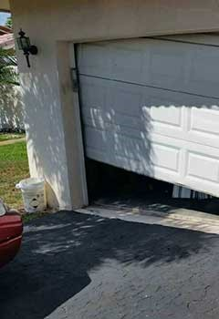 Garage Door Off Track Service Mettawa
