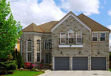 3 Things to Consider Before Buying a New Garage Door | Garage Door Repair Libertyville, IL